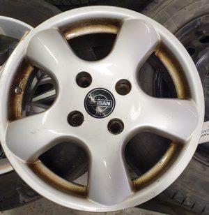 Käytetyt Nissanin alumiinivanteet 15″